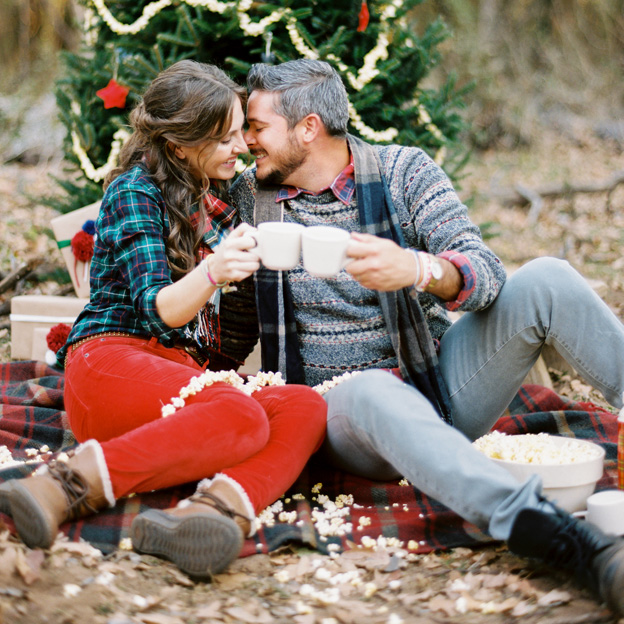 holiday engagement shoot ideas